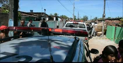 Homem é assassinado no bairro do Roger, em João Pessoa - A vítima foi abordada por dois homens em uma moto.