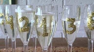 Saiba como personalizar taças para o Ano Novo - De forma rápida e barata, é possível numerar e decorar as taças que serão utilizadas no brinde de Ano Novo.