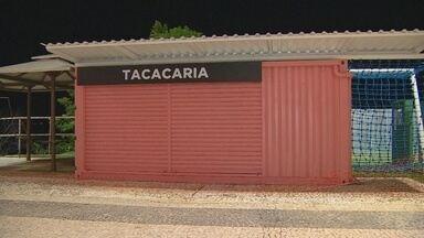 Implurb lançará licitação para novos quiosques da Ponta Negra, em Manaus - Quiosques serão do tipo contêiner. Novas estruturas estão dividindo opiniões de quem frequenta o local.