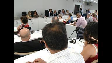 Decisão sobre o futuro do Vestibular da UFSM é adiada, Santa Maria, RS - A adesão ao Sistema de Seleção Unificada seria votada na manhã de hoje, mas um conselheiro pediu vistas ao projeto.