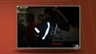 Acidente deixa quatro feridos e bebê que estava em um dos carros sai ileso - Os pais da criança tiveram ferimentos graves. O acidente ocorreu no sul da Bahia quando uma caminhonete fez uma ultrapassagem proibida e atingiu o carro de passeio.