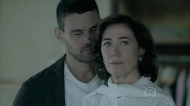 Marta recusa prosposta de Maurílio - Biólogo insiste em se casar com a esposa de Zé Alfredo