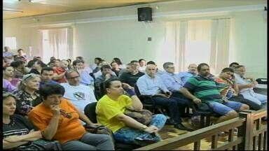 Câmara realiza mutirão e vota 16 projetos de lei em Uruguaiana, RS - Duração das votações já dura mais de 7h.