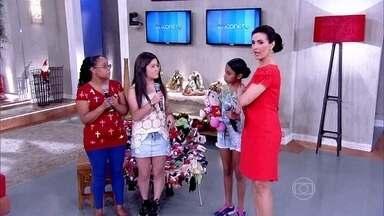 Família faz surpresa pra Bia em agradecimento às doações de Natal - Convidados doam brinquedos pra ONG 'Olhar de Bia'