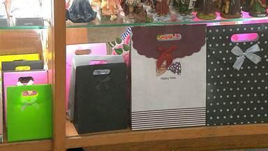 JPB orienta consumidores sobre troca de presentes de Natal em Campina Grande - Ao vivo as orientações do Procon, sobre direitos e deveres de lojas e consumidores