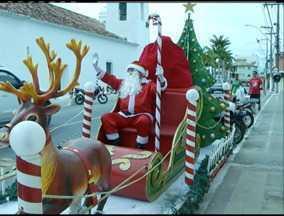 Casa do Papai Noel é sucesso em São Pedro da Aldeia, no RJ - Cerca de 3 mil pessoas já passaram pela casa.