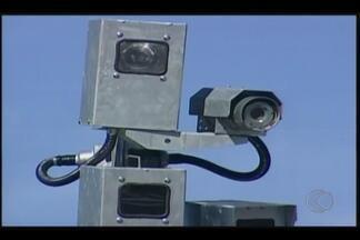 Departamento de Trânsito vai instalar radares em Ituiutaba - Um radar já está sendo testado desde o início da semana. Investimento será de mais de R$ 1 milhão.