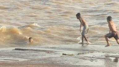 Corpo de Bombeiros alerta para os perigos de banho no rio Amazonas - É férias e muita gente aproveita os dias de folga para tomar banho no rio Amazonas. Mas o Corpo de Bombeiros alerta para os perigos da força da maré