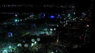 Queima de fogos é uma das principais atrações do show da virada de Fortaleza - Show pirotécnico tem 17 minutos de duração.