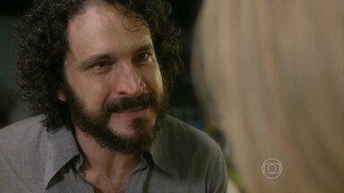 Boogie Oogie - capítulo de terça-feira, dia 30/12/2014, na íntegra - Paulo fala para Vitória que descobriu a farsa sobre sua doença