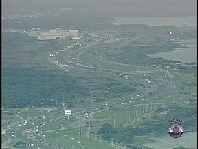 Tráfego de veículos aumenta na volta das praias no Norte da Ilha - Tráfego de veículos aumenta na volta das praias no Norte da Ilha
