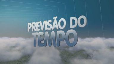 Último dia do ano terá tempo abafado na região de Campinas - Último dia do ano terá tempo abafado na região de Campinas (SP), além de pancadas de chuva isoladas. Na hora da virada, o tempo deve ficar firme.