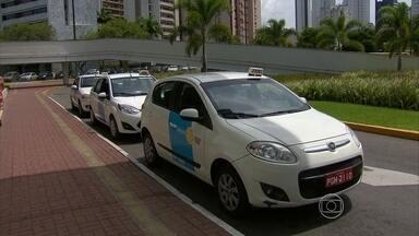 Esquema pretende suprir demanda por táxis na noite da virada na Zona Sul - Reunião entre CTTU e Sindicato dos Taxistas definiu como será a oferta de carros no Réveillon.