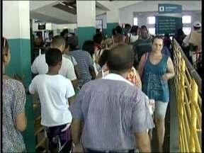 Rodoviárias e estação ferroviárias do Leste de MG estão lotadas ás vésperas do revellion - Em Valadares teve gente que não conseguiu passagem.