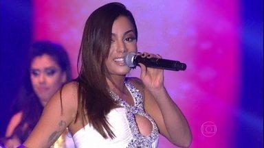 Anitta faz a festa do público com 'Na Batida' - Funkeira coloca todo mundo para dançar