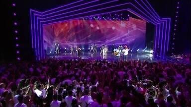 Assista à íntegra do Show da Virada 2015 - Confira as atrações do programa