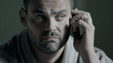 Maurílio recebe ligação misteriosa - O biólogo pede autorização para morar na casa de Marta