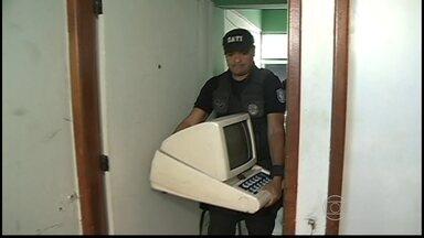 Polícia fecha casas de jogos em Petrolina - Máquinas caça-níqueis foram recolhidas.