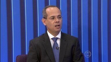 Secretário de Educação de PE diz que mais 17 escolas da Mata Sul de PE serão reconstruídas - Ele também anunciou a visita do ministro Cid Gomes na próxima sexta.