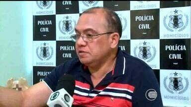 Policial e dono de bar são baleados durante arrastão na Zona Leste - Crime ocorreu na madrugada desta quarta-feira(7) em uma bar de Teresina.Durante troca de tiros, policial Félix Costa foi atingido com dois disparos.