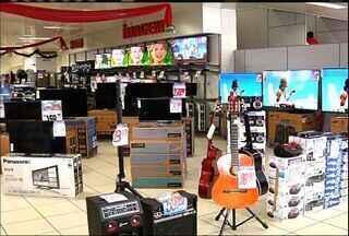Lojas criam descontos para atrair clientes neste início de ano - Movimentacão após festas diminuiu.