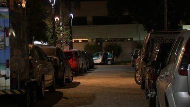 Cearenses e turistas presenciam assaltos na Avenida Beira Mar - Ponto concentra grande número de turistas na alta estação.