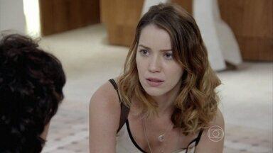 Capítulo de 09/01/2015 - Laura vai até o hospital à procura de Adriana