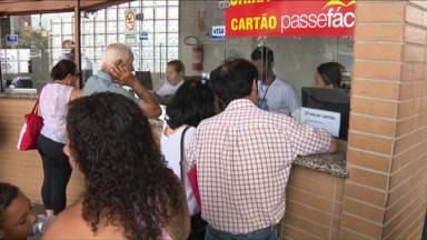 Cartão transporte se torna obrigatório em linhas de Maringá - Não será mais possível pagar a passagem no ônibus circular com dinheiro. Com a saída dos cobradores, essa foi a maneira encontrada para que o motorista não seja responsável pela cobrança da passagem.