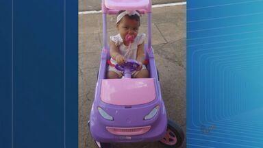 Criança morre atropelada por carro em Itaú de Minas - Menina e avó estavam perto da calçada.