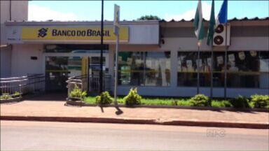 Homens tentam assaltar agência bancária em Querência do Norte - Grupo tentou cavar um buraco na parte de trás do banco. Sem sucesso, fugiu sem levar nada.