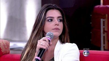Giovanna Lancellotti admite que já tentaram tirar uma casquinha na hora da cena de beijo - 'Qualquer problema se resolve na conversa', contou a atriz, que na época ficou constrangida