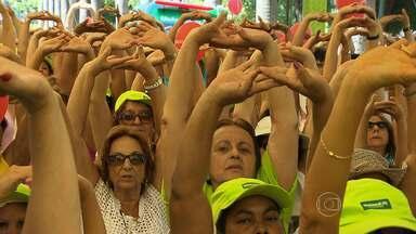 Primeira etapa do 'Projeto Caminhar' leva milhares à Praça da Liberdade - Iniciativa é realizada em Belo Horizonte e na Região Metropolitana.