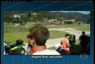 Parapentes fazem pouso de emergência na Granja Comary, e CBF chama a polícia - Caso aconteceu neste último domingo, pouco antes do jogo-treino entre a seleção brasileira sub-20 e o Macaé.