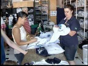 Busca por uniformes escolares aumenta em Pres. Prudente - Para atender demanda, cresce contratações nas lojas de confecção.