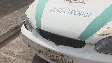 Veículos da polícia técnica estão sucateados - A maioria dos veículos da polícia técnica está sucateada. A falta de carros atrasa a entrega de laudos para os órgãos de Justiça, e dificulta o atendimento da perícia no trânsito.