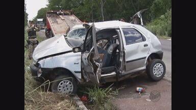 Onze pessoas morreram em 2 acidentes no interior de MG - Onze pessoas morreram em 2 acidentes no interior de MG