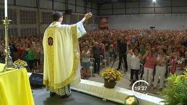 Cerco de Jericó atrai católicos em Taubaté, SP - Encontro católico termina neste domingo (18).