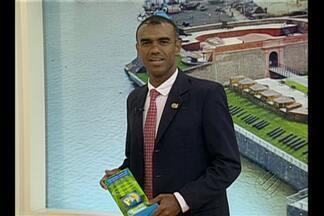 Árbitro Dewson Freitas recebe prêmio de Personalidade do Ano 2014 - Promoção do Bom Dia Pará acontece há seis anos e elegeu árbitro paraense da FIFA.