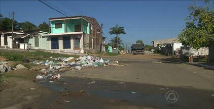 Morarodes reclamam da falta de coleta de lixo em Bayeux, PB - A assessoria de imprensa da prefeitura informou que a empresa que presta esse serviço está sendo trocada.