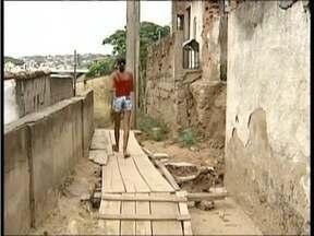 Calendário: O MGTV 1ª edição volta a rua Jaçanã em GV para verificar o que foi feito - Moradores ainda reclamam dos problemas.