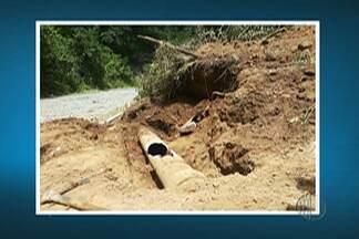 Moradores de Santa Isabel têm problemas com abastecimento de água - Um cano que leva água até a Estação de Tratamento II estourou nesta terça-feira (20).