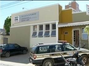 Instrutor de autoescola é preso ao tentar subornar examinador em Montes Claros - Candidata afirmou que pagou R$ 1.500 para instrutor consegui a aprovação.