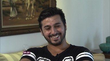 Conheça a história do Daniel Snaili, que foi salvo por um guarda-vidas no Guarujá - Advogado recebe surpresa do Mais Você