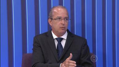 Desembargador explica a situação do julgamento dos processos dos detentos de Pernambuco - Mauro Alencar é o gestor de metas do Tribunal de Justiça do estado.