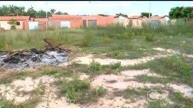 Calendário: vistoria foi conferir construção de área de lazer do Residencial Prado Júnior - Calendário: vistoria foi conferir construção de área de lazer do Residencial Prado Júnior