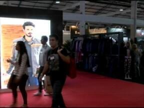 Começou em Bento Gonçalves uma feira voltada ao setor de confecções - A Fenin é a maior feira de lançamentos de confecções da América Latina.