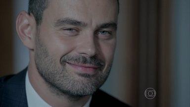 Maurílio consegue prova contra Cristina - Marcão entra na casa da nova presidente da Império e rouba passaporte