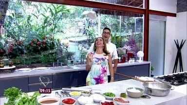 Cissa Guimarães se transforma em 'pizzaiola' no Mais Você - André Marques entrega o segredinho da amiga; veja!