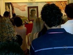 Familiares e amigos se despedem do catarinense morto no México em cerimônia - Familiares e amigos se despedem do catarinense morto no México em cerimônia