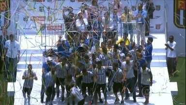 Corinthians bate o Botafogo-SP e conquista a Copinha pela nona vez - Maior vencedor da competição, Timão vê goleiro adversário falhar e fica com o título